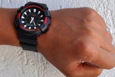 Часы Casio AD-S800WH-4A на руке