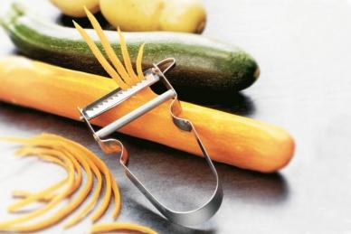Практичный нож для нарезки соломкой Julienne Victorinox