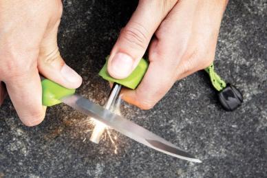 Нож с огнивом Light my Fire Swedish FireKnife, зеленый