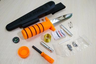"Нож Survival Edge с набором ""для выживания"""