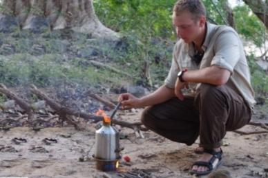 Самовар ирландский Trekker Scout на пикнике