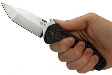 Нож Zero Tolerance 0620CF в руке
