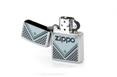 "Зажигалка Zippo 28465 ""RED & CHROME"", открытая"