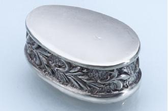 Больстер для рукояти ножа «Растительный орнамент с трилистником» 647 (мельхиор)