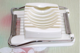 Прибор для нарезки яиц 8 струн PASTO, Япония